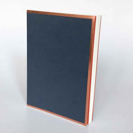 "Semikolon Notizbuch ""M"" Kupferkante nachtblau 1"