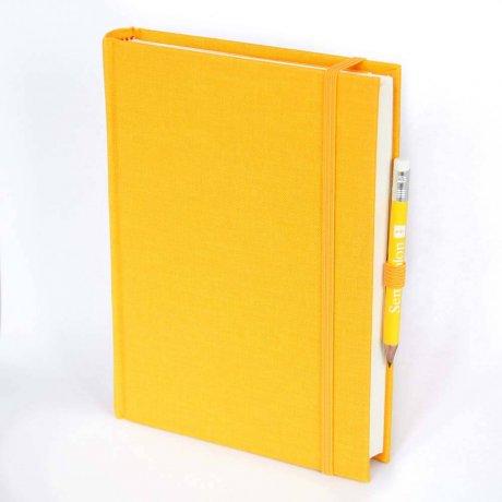 """Semikolon Grand Voyage Notizbuch """"M"""" Leinen gelb 1"""