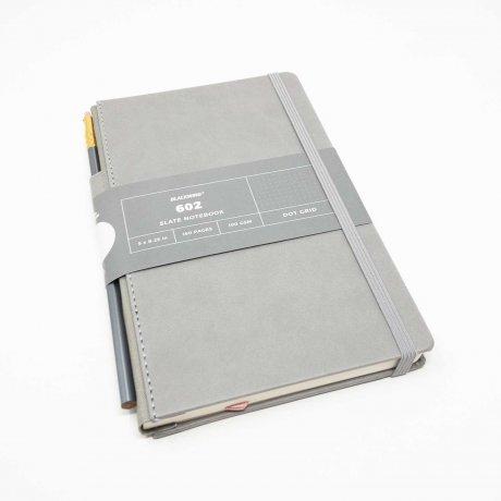Notizbuch Blackwing 602 Slate Notebook dotted mit Bleistift 602 1