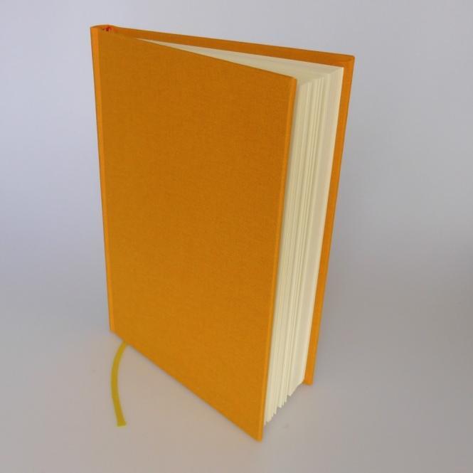 """Semikolon Classic Notizbuch """"M"""" Leinen gelb"""
