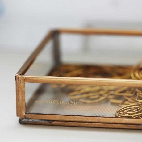 Messing Box von Monograph 10 x 10 cm Vitrine 2