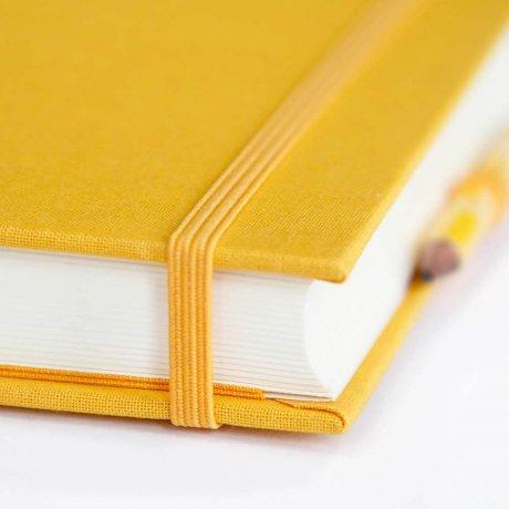 """Semikolon Grand Voyage Notizbuch """"M"""" Leinen gelb 3"""