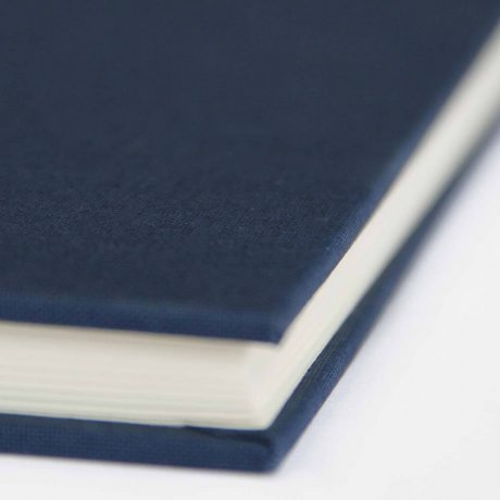 "Semikolon Classic Notizbuch ""M"" Leinen dunkelblau 3"