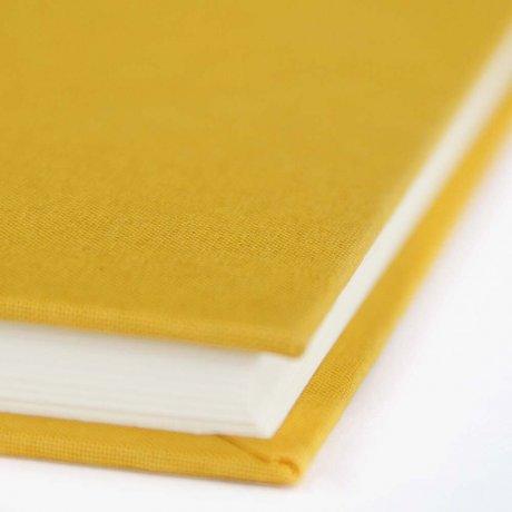 """Semikolon Classic Notizbuch """"M"""" Leinen gelb 3"""
