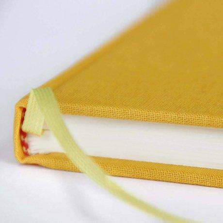 """Semikolon Classic Notizbuch """"M"""" Leinen gelb 4"""