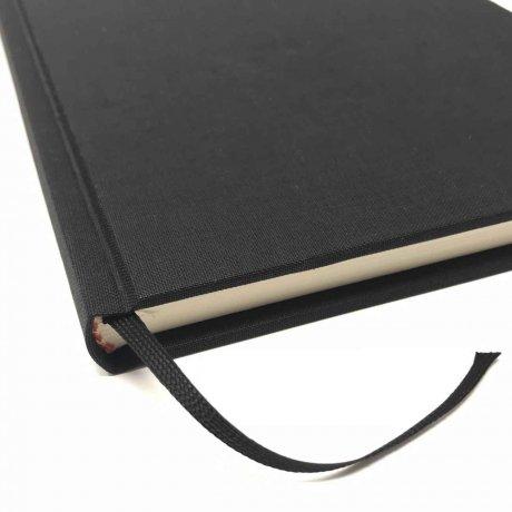 "Semikolon Classic Notizbuch ""M"" Leinen schwarz 4"